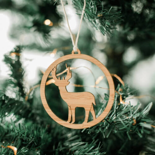 one happy leaf wooden deer ornament Christmas tree